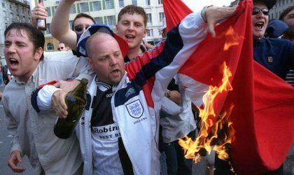 Des hooligans anglais provoquent les Maghrébins à Marseille et les qualifient d'«Etat islamique»