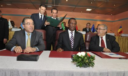 La France salue le travail de médiation de l'Algérie au Mali