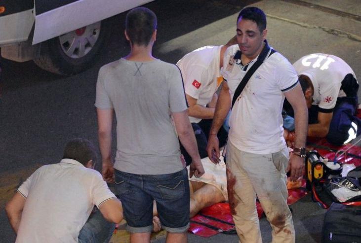 Des victimes du sanglant attentat qui a secoué l'aéroport d'Istanbul. D. R.