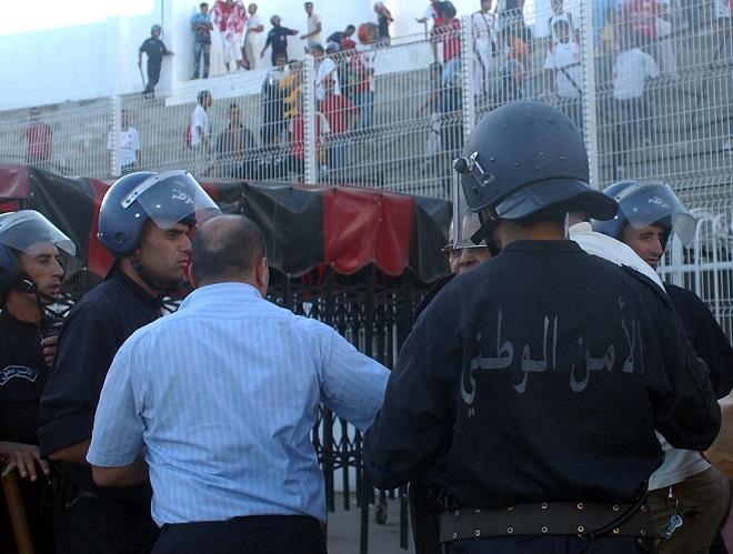 Les policiers seront remplacés par les stadiers. New Press