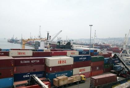De nouvelles mesures pour le développement et la promotion du commerce extérieur. New Press