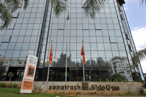 Le siège de Sonatrach. New Press