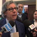 Gilles Pargneaux entouré par les médias du Makhzen. D. R.