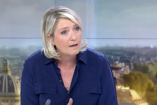 Marine Le Pen sur le plateau de France 2. D. R.