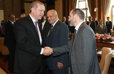Le président du MSP, Abderrezak Mokri, avec Recep Tayyip Erdogan. D. R.