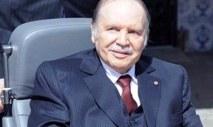 Le président Bouteflika salue les luttes des travailleurs algériens à travers l'histoire du pays