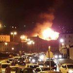 Vue de loin de l'immeuble en feu. D. R.