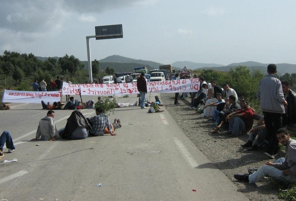 Route bloquée à Béjaïa. Photo d'archive