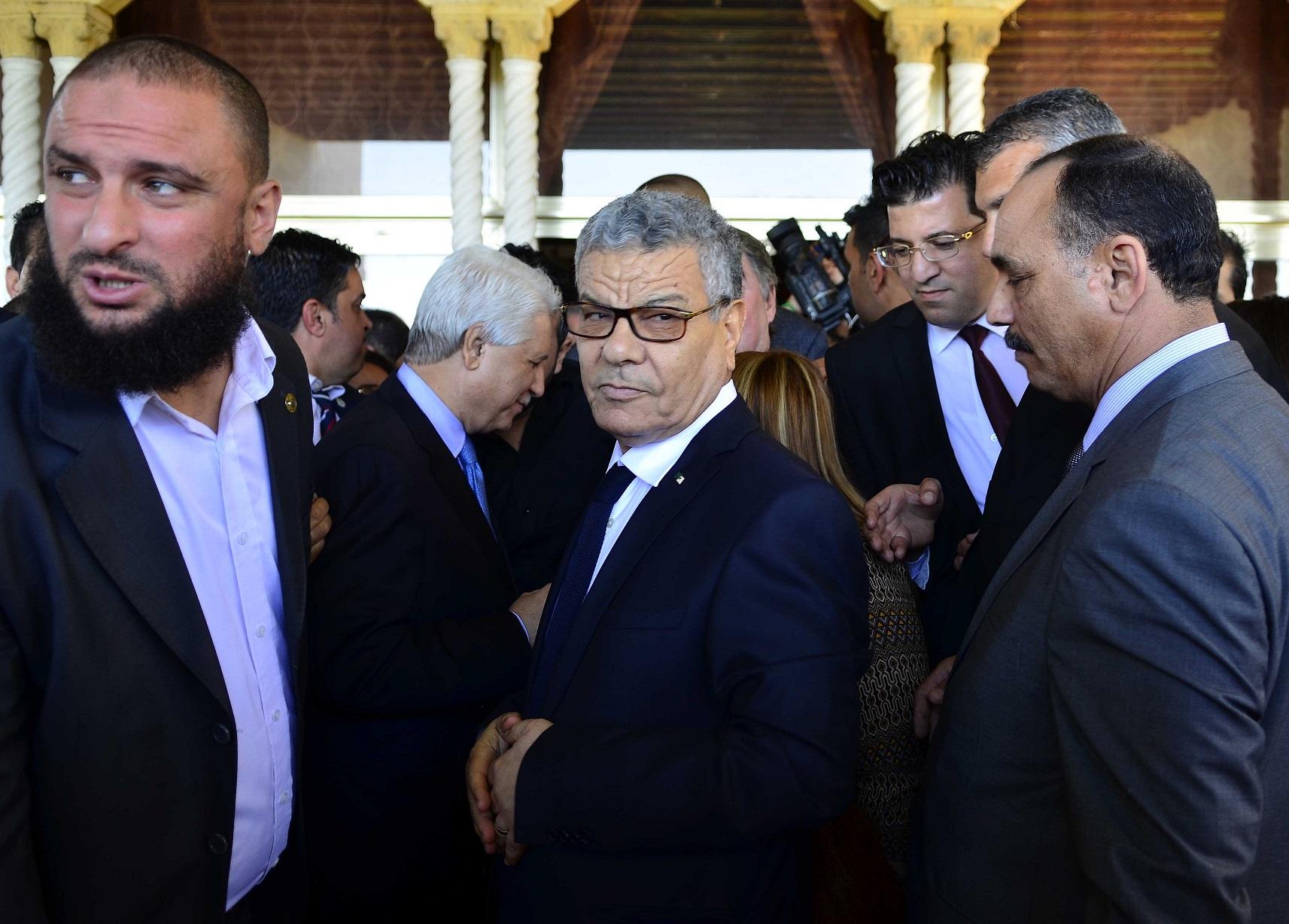 Saïdani et ses partisans veulent éviter l'effilochement des structures du FLN. New Press