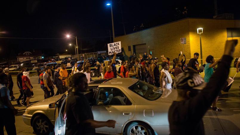 La violence s'est emparée de la ville à la suite de la mort d'un homme noir armé tué par la police. D. R.