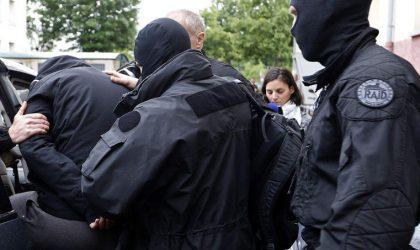 Paris expulse un Algérien soupçonné de liens avec les djihadistes