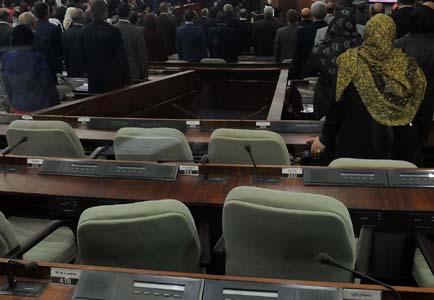 Lors des travaux de la session parlementaire, les sièges des députés FFS vides. New Press