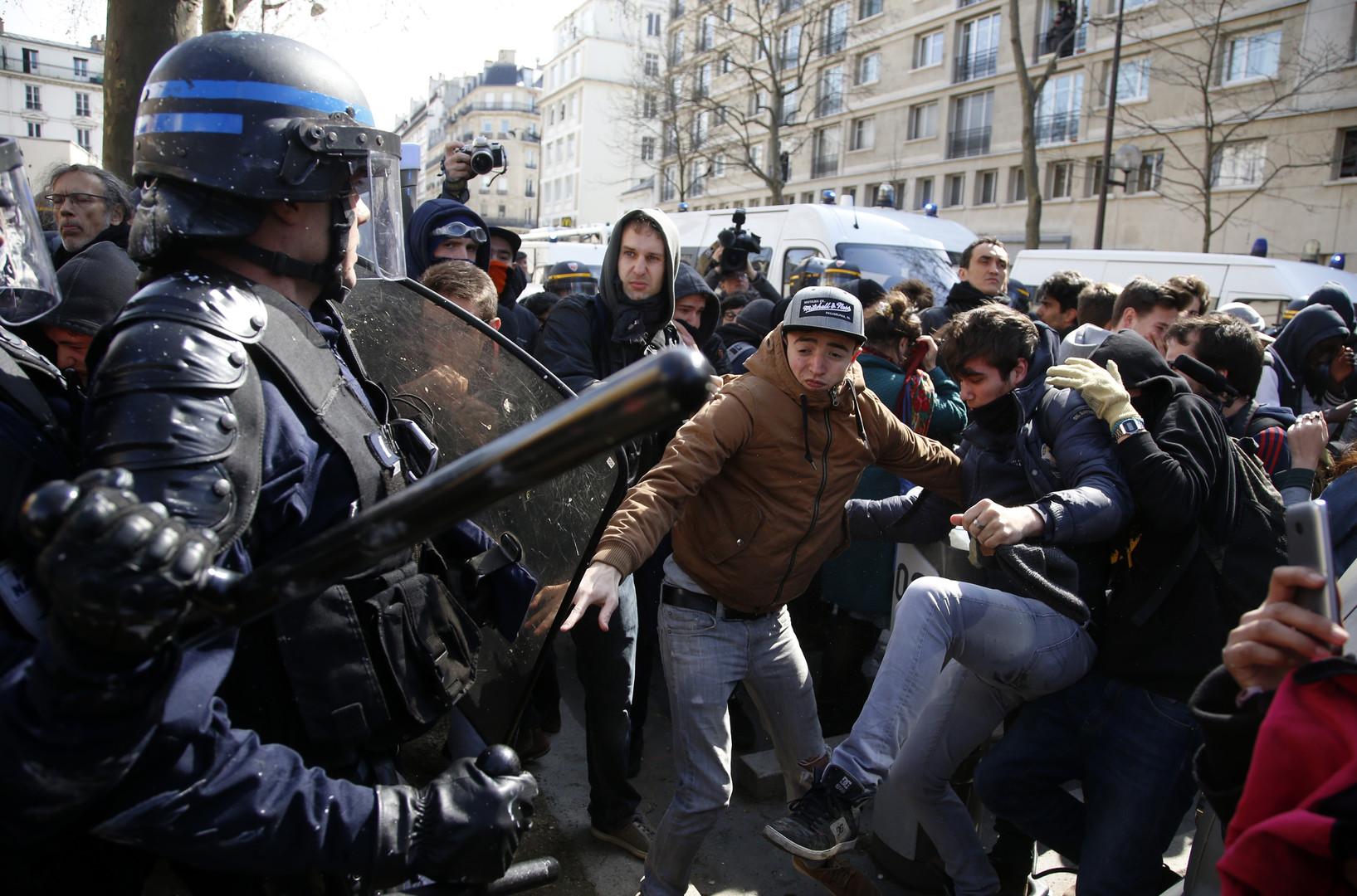 Les jeunes criaient : «Tout le monde déteste la police !» D. R.