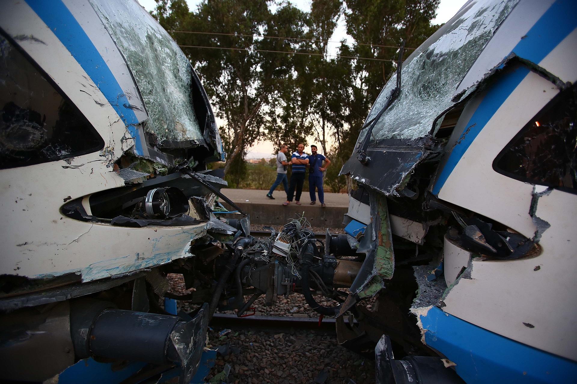 L'état des trains impliqués dans la collision témoigne de la puissance du choc. New Press