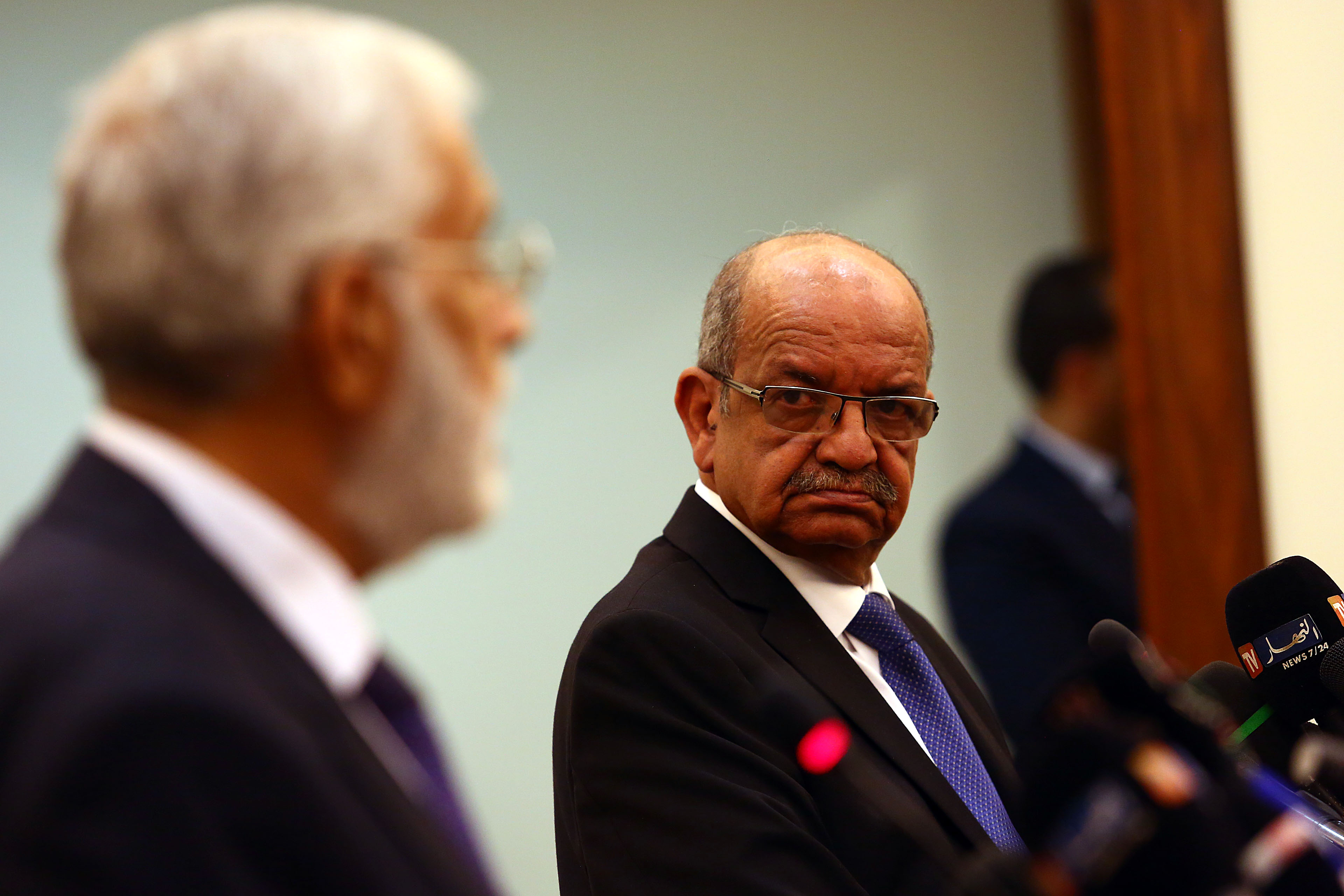 Abdelkader Messahel avec le chef de la diplomatie libyenne, Mohamed Tahar Siala. New Press