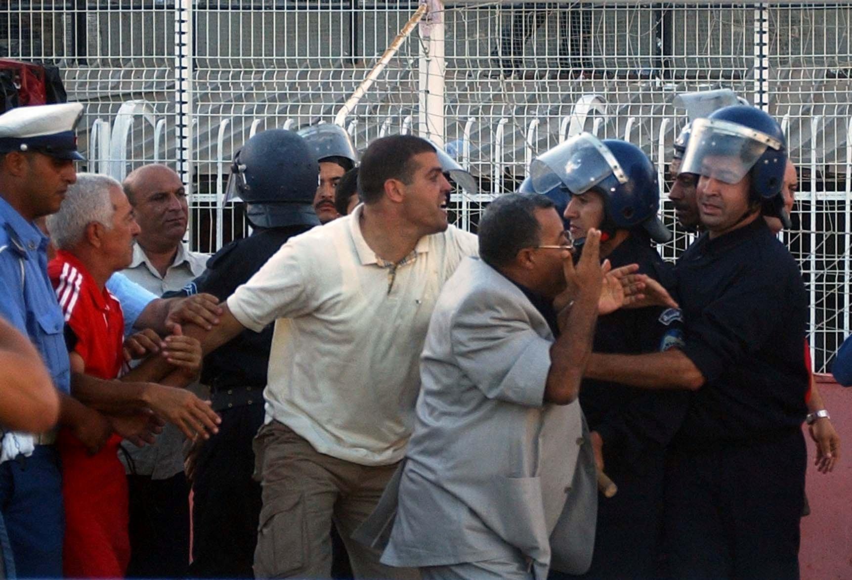 Le phénomène de la violence a repris dans certains stades après l'annonce du retrait progressif des services de sécurité. New Press