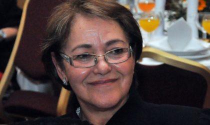 L'actrice Bahia Rachedi en pleurs : «Les Tunisiens nous ont humiliés à Carthage»
