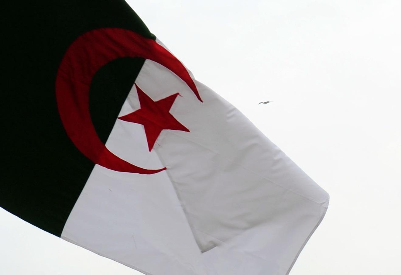 La députée algérienne appelle à ester tout auteur d'une profanation de notre emblème. New Press