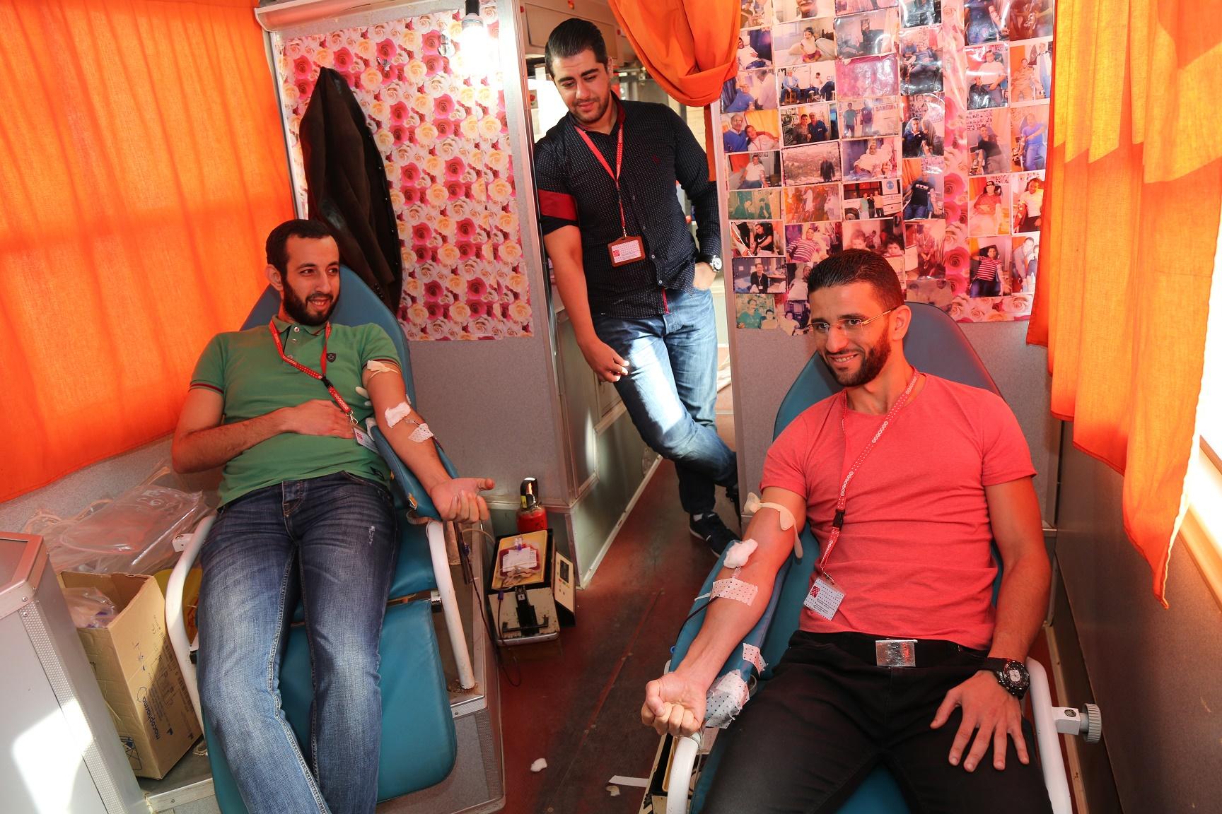 Des employés d'Ooredoo faisant un don de sang ce dimanche. D. R.