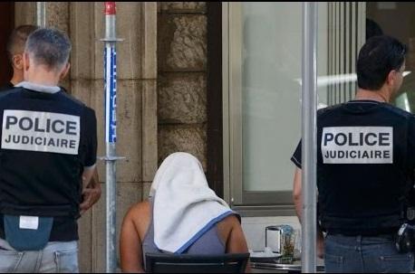 Lamjarred lors de son arrestation à Paris. D. R.