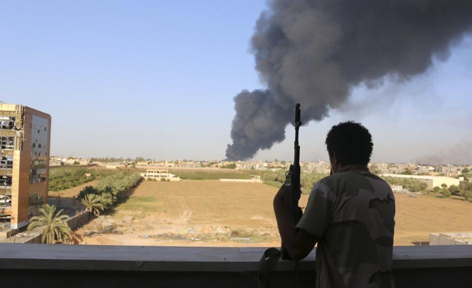 Des salafistes armés se sont rangés du côté des milices gouvernementales. D. R.