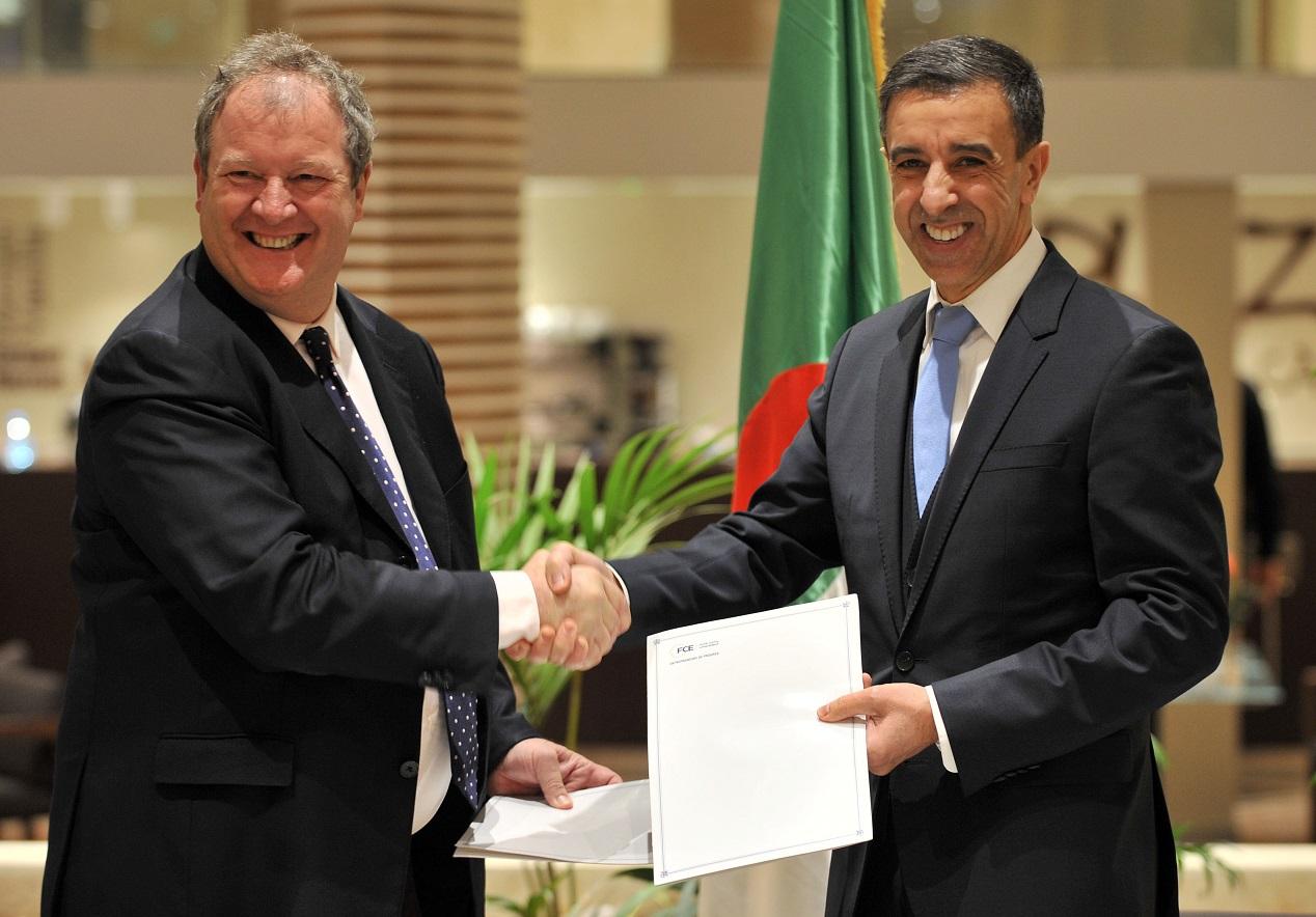 Signature de la convention entre Sentilhes et Haddad. D. R.