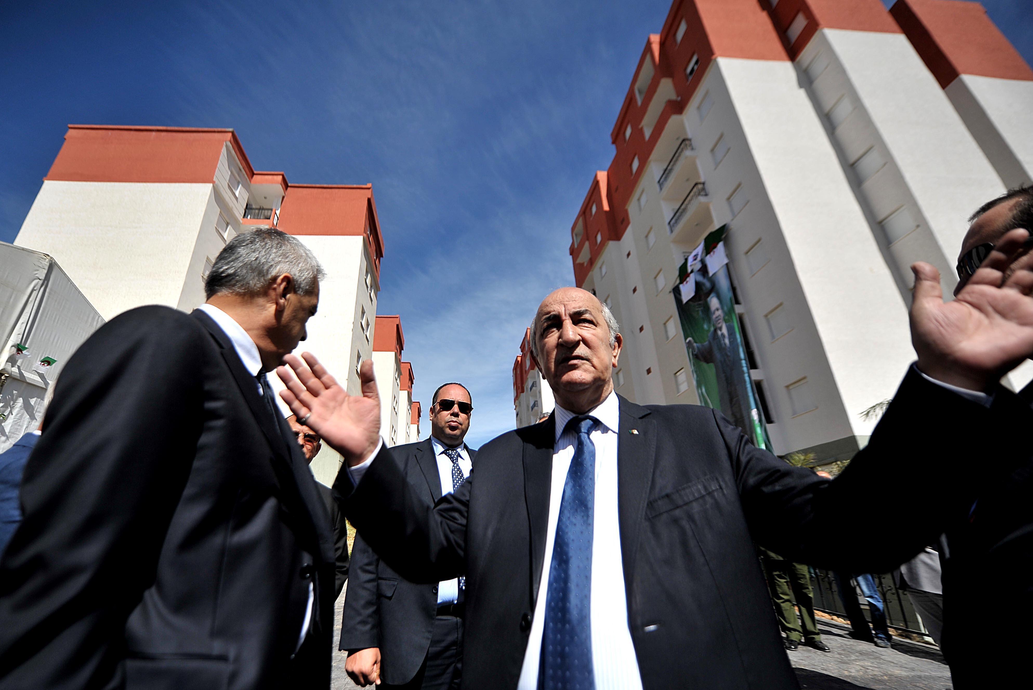 Abdelmadjid Tebboune, ministre de l'Habitat, de l'Urbanisme et de la Ville. New Press