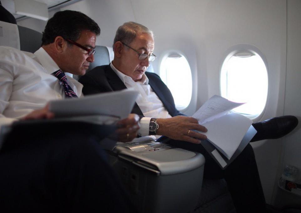Benyamin Netanyahou et le patron du Mossad, Yossi Cohen. D. R.