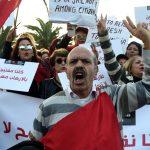 Les manifestants ont scandé plusieurs slogans, tel que «Ghannouchi assassin»... D. R.