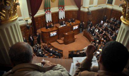 Le FLN renouvelle les responsables de ses structures au Sénat