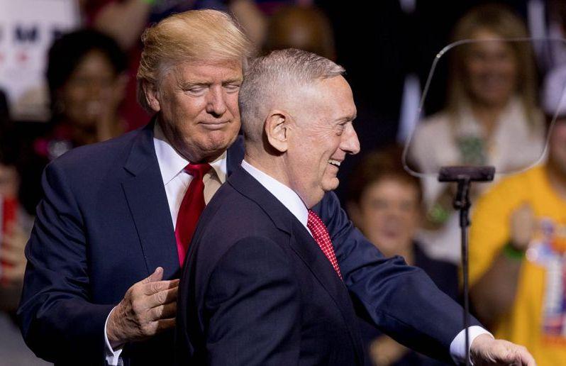 Donald Trump et le secrétaire d'Etat à la Défense, James Mattis. D. R.