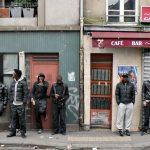 Des jeunes désœuvrés à Paris. D. R.