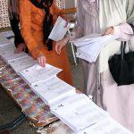 De nombreux partis sont contraints de collecter des signatures de citoyens. New Press