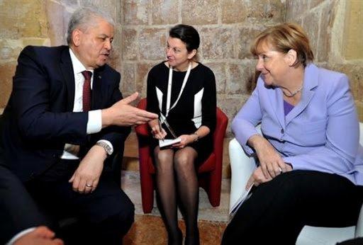Entretien Sellal-Merkel lors du sommet UE-Afrique de 2015 (La Valette - Malte). D. R.