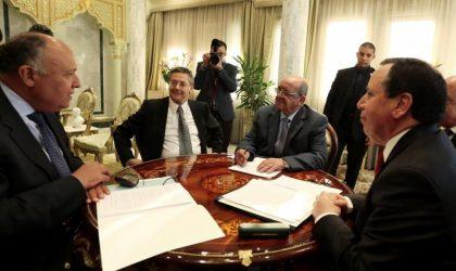 Libye : réunion à Tunis pour trouver une solution à la crise