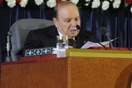 Bouteflika appelle le peuple algérien à plus de vigilance. New Press