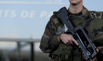 Un attentat déjoué de justesse à l'aéroport d'Orly : deux terroristes abattus