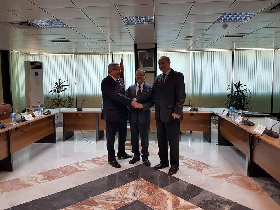 Noureddine Boutarfa en compagnie d'Ould Kaddour et Mazouzi. D. R.