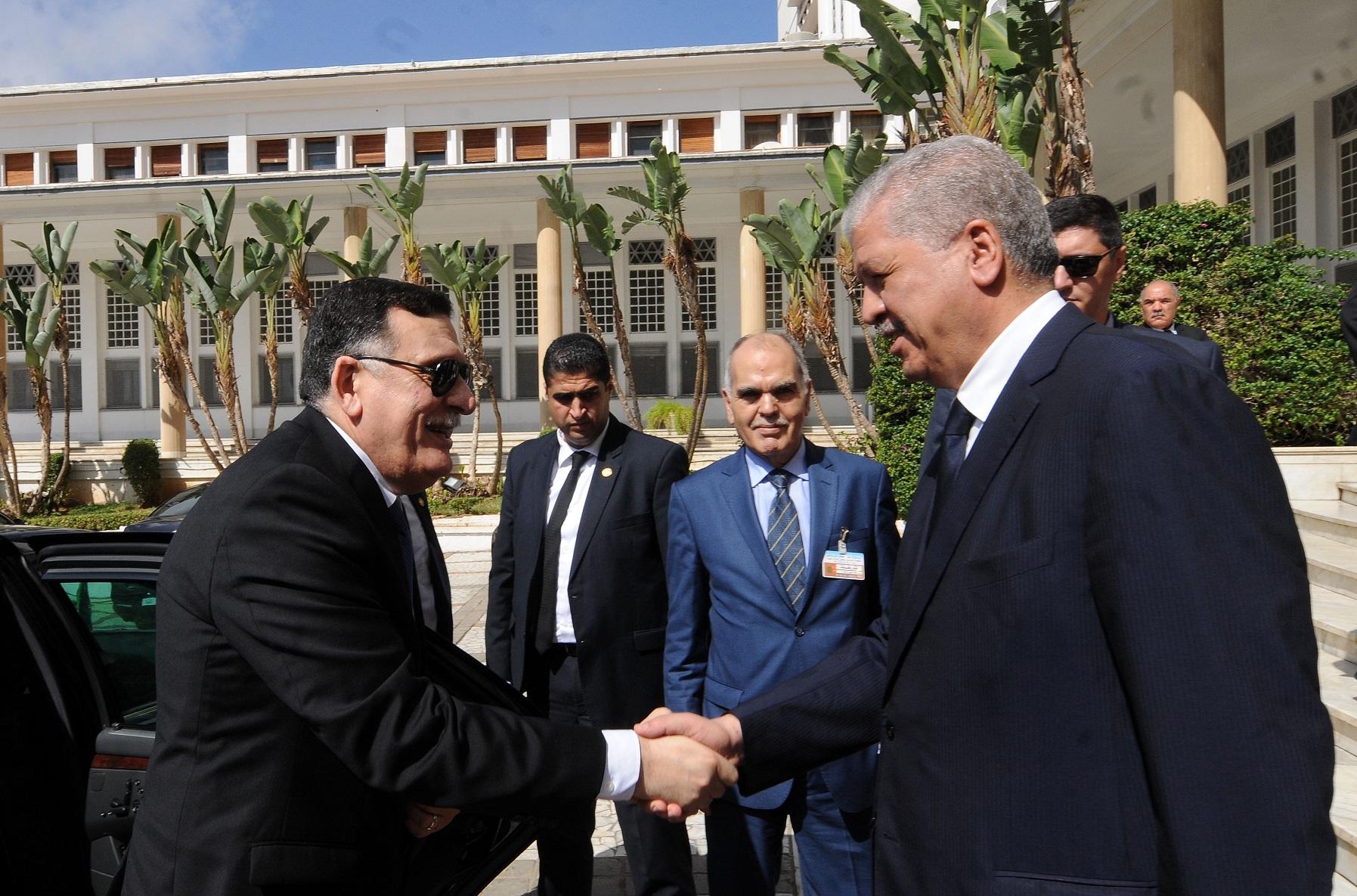 Fayez Al-Sarraj reçu par Abdelmalek Sellal lors de sa visite à Alger. New Press