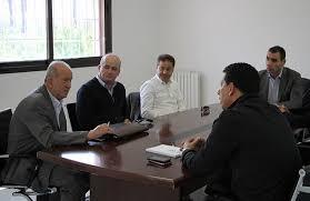 Zetchi en réunion avec Tikanouine. D. R.