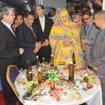 La ministre mauritanienne du Commerce visitant un stand algérien. D. R.