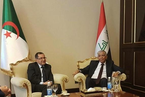 Noureddine Boutarfa, et son homologue irakien, Jabbar Al-Aluaibi. D. R.