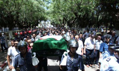 Kamel Rezzag-Bara inhumé au cimetière d'El-Alia à Alger