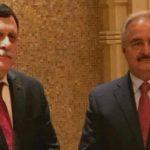 Le président Al-Sarraj en compagnie du maréchal Haftar. D. R.