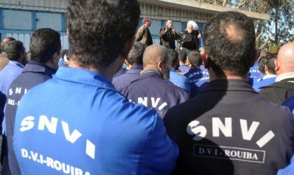 Les responsables et le partenaire social de la SNVI chez le ministre de l'Industrie