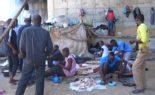 AP-TV au milieu d'un camp de migrants à Oued El Kerma