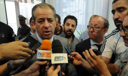 Blida : cinq jeunes gymnastes intéressent le ministre Ould-Ali