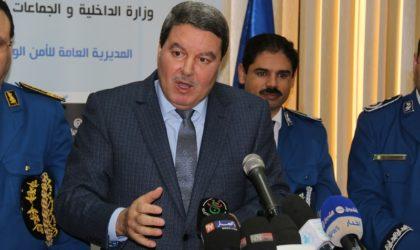 Hamel salue l'acte héroïque des policiers tués dans l'attentat terroriste de Tiaret