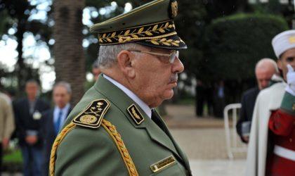 Oran : le général Gaïd Salah visite la 2e RM