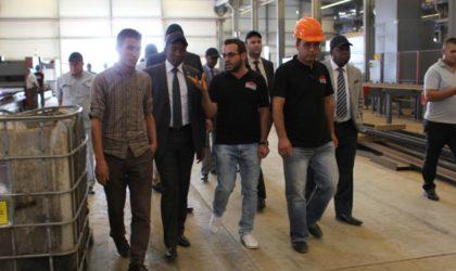L'ambassadeur du Kenya visite les usines de Condor Electronics